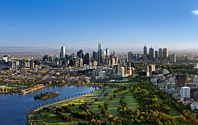 راهنمایی یکی از دانشجویان ساکن ملبورن برای دیگر دوستان عازم به استرالیا