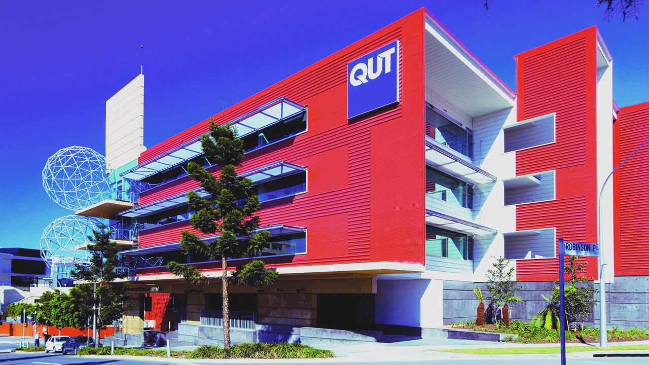 اطلاعاتی جامع درباره دانشگاه تکنولوژی کوئینزلند